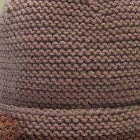 Bonnet tricoté main tendre Guimauve Mousse, Diy, Rugs, Home Decor, Knitted Beanies, Marshmallow, Hands, Farmhouse Rugs, Decoration Home