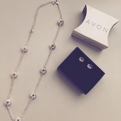 ✨Silvertone Avon Love Knot Gift Set ✨ Got this cute Silvertone Avon love knot gift set a little while ago. Never been worn and absolutely gorgeous! Very elegant and goes with all outfits! Fast shipping always. ✨ Avon Jewelry