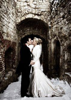 Kiss taken by www.artisstudios.com at Farnham Castle