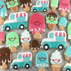 Beat the heat with these summer treats! Two new cookie cutters will be available in my shop in a few days! Look for popsicles and vintage ice cream trucks in a variety of sizes. Just in time for summer! Ice Cream Cookies, Fancy Cookies, Iced Cookies, Cute Cookies, Summer Ice Cream, Ice Cream Party, Summer Cookies, Holiday Cookies, Cupcakes