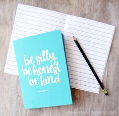 DIY Foil Notebooks at artsyfartsymama.com #HSMinc #foilallthethings