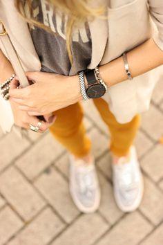Mustard denim from Zara, off white blazer and gray tshirt. Autumn outfit!