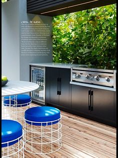 40 Beautiful Modern Kitchen Outdoor with Farmhouse Style Below you'll find some wonderful outdoor kitchen design ideas together with some suggestions which can make your patio stylish and inviting, enjoy! Outdoor Bbq Kitchen, Outdoor Kitchen Design, Kitchen Modern, Kitchen Ideas, Outdoor Rooms, Outdoor Areas, Outdoor Living, Barbecue, Bbq Area