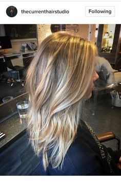 Blonde hair, balayage, highlights, lowlights, bronde, medium length, color, colour