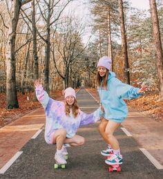 Foto Best Friend, Best Friend Photos, Best Friend Goals, Skateboard Pictures, Skateboard Girl, Penny Skateboard, Skateboard Decks, Best Friends Shoot, Cute Friends