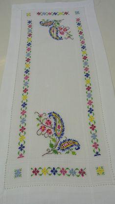 The most beautiful cross-stitch pattern - Knitting, Crochet Love Cross Stitch Letters, Cross Stitch Borders, Cross Stitch Samplers, Cross Stitch Flowers, Modern Cross Stitch, Cross Stitch Designs, Stitch Patterns, Knitting Patterns, Cross Stitch Beginner