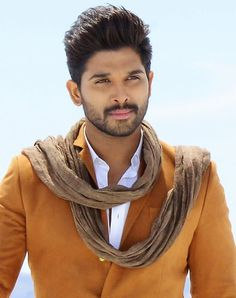 Allu Arjun often shares his family photos on social media and his personal photos with wife Sneha are too cute. Check out best of Allu Arjun images and photos right here Famous Indian Actors, Indian Celebrities, Actor Picture, Actor Photo, Cute Actors, Handsome Actors, Bollywood Actors, Bollywood Celebrities, Allu Arjun Hairstyle