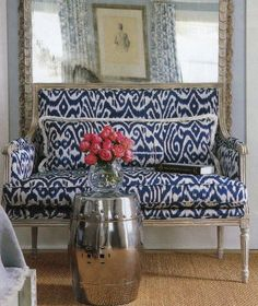 love the blue and white fabric