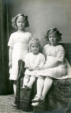 antique-royals:  The sisters of Philip Duke of Edinburgh : Princesses Margaret , Theodora and Cecilie of Greece and Denmark