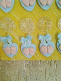 Ideal para chá de bebe, imã de geladeira com porta recado.  fazemos a cor que desejar.