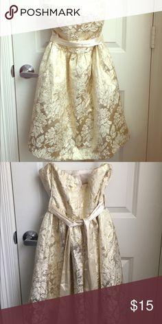 Small heart shaped sleeveless dress Forever 21 dress Forever 21 Dresses Strapless