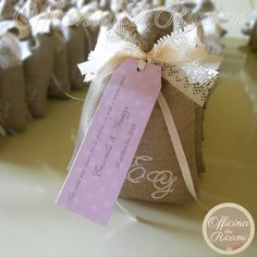 """#handcrafted #embroidered #wedding #favor #bags (sachets or boxes), customized with confetti in them, that you give away at #weddings   #bomboniere sacchetti #portaconfetti per #matrimonio completamente personalizzabili e made in Italy. Model: """"PINTA"""""""