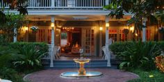 The Courtyard at Lake Lucerne: The I. W. Phillips House Weddings - Price out and compare wedding costs for wedding ceremony and reception venues in Orlando, FL