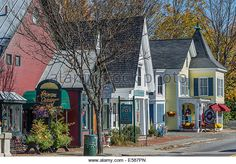Vermont: Woodstock Best Small Towns in Each State Main Street America, Small Town America, North America, North Carolina, South Dakota, Places To Travel, Places To Visit, Woodstock Vermont, Most Beautiful