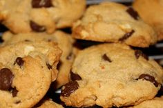 Simply Made...with Love: Pampered Chef- Chocolate Chip Peanut Butter Cookies