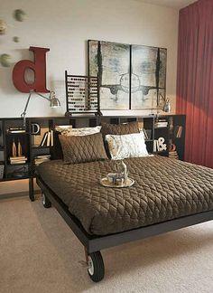 Stell Dein Bett auf feststellbare Rollen.