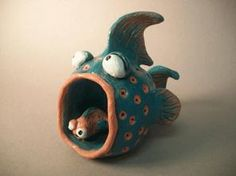 pinch pot fish examples are HERE Clay Pinch Pots, Ceramic Pinch Pots, Clay Projects For Kids, Kids Clay, Slab Pottery, Pottery Art, Pottery Studio, Ceramic Pottery, Clay Monsters