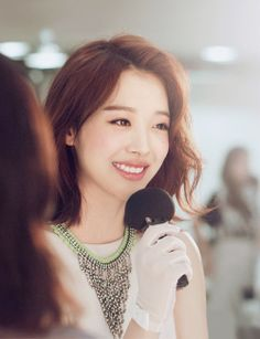 Sulli - F(x) beautiful, hair and smile Sulli Choi, Choi Jin, Korean Beauty, Asian Beauty, Victoria, Dye My Hair, Girl Bands, Girl Day, Korean Actresses