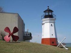 Vermilion Lighthouse @Doug Kerr-Flickr