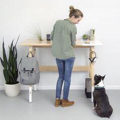 bureau en bois design qui encourage le travail debout - design élégant et fonctionnalité