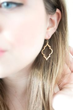Stitch Fix April 2015: Bay to Baubles Aditi Spade Earrings in Gold / hellorigby seattle fashion and lifestyle blog