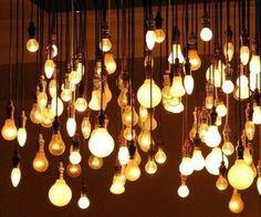 modern chandelier - multiple light bulbs at varying heights Chandelier Bougie, Modern Chandelier, Diy Chandelier, Iron Chandeliers, Eclectic Living Room, Living Room Designs, Bedroom Designs, All Of The Lights, Pretty Lights