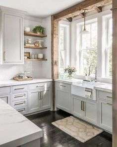 45 Amazing Kitchen Farmhouse Design And Decorating Ideas On A Budget Today we look at making your choice of units, doors and worktops. Then it's just a case of arranging them […] - 45 Amazing Kitchen Farmhouse Design And Decorating Ideas On A Budget Farmhouse Kitchen Cabinets, Modern Farmhouse Kitchens, Kitchen Cabinet Design, Farmhouse Design, Farmhouse Ideas, Farmhouse Sinks, Farmhouse Style, Oak Cabinets, Kitchen Modern