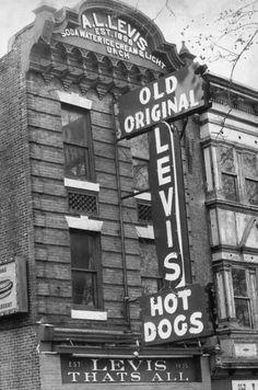Levi's Old Original, Hot dogs, Philadelphia