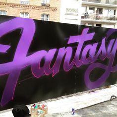 Top to bottom! #fantasy #streetart #graffiti #paris18 #toptobottom #art #paris #toptobottom