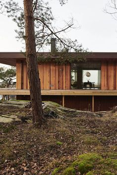 The architect dream house among the tree tops. A bespoke kitchen for architect Henrik Schulz modern house all in wood. Get inspiration from their design kitchen, architecture, interior and furnitures at www. Cabins In The Woods, House In The Woods, Contemporary Architecture, Architecture Design, Beddinge, Villa Clara, Forest House, River House, Beautiful Buildings