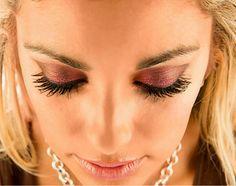 Younique 3D Fiber Lash Mascara Www.myeverlastinglashes.com