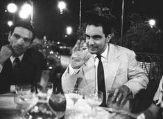 Pier Paolo Pasolini e Italo CalvinoalCaffè Rosatiin Piazza del Popolo, a Roma