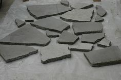 How to make flagstones pavers - It's Just a Project Concrete Paver Mold, Flagstone Pavers, Concrete Stepping Stones, Stained Concrete, Small Patio Design, Brick Path, Stone Walkway, Diy Molding, Backyard Landscaping