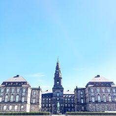 {New post - Part 1 of my Copenhagen City Guide is up now on the blog! #linkinbio } . . #hej #København #copenhagen #denmark #christiansborgslot #christiansborg #borgen #kasperjuul #brigittenyborg #katrinefonsmark #blogger #travel #travelgram #travelblogger #wanderlust #happy #photooftheday #picoftheday #thehappynow #thatsdarling #theeverygirl #igerslondon #igers #explore #wander #travelbug #cityguide