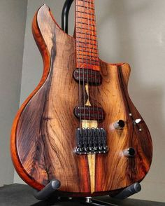 106 отметок «Нравится», 4 комментариев — The Woodwork Nation (@thewoodworknation) в Instagram: «Check out the link in the bio for your very own carpentry hoodies & tops Isn't this amazing! …» #Guitar
