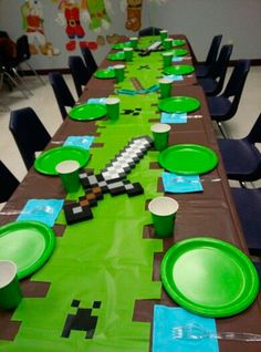 Birthday party table decorations plates 67 ideas for 2019 Minecraft Minecraft Party Decorations, Birthday Party Table Decorations, Birthday Party Tables, 10th Birthday Parties, Minecraft Party Ideas, 7th Birthday, Birthday Ideas, Cake Birthday, Cowboy Birthday