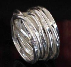 Silberring geknautscht Gr. 50 - 72 von Fairsuchungen - Exklusiver Silberschmuck preiswert auf DaWanda.com