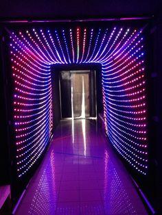 Tunnel sonore Fête de la musique 2014. Dispositif lumineux par Alter&Coop