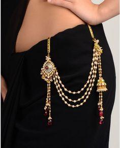 Kundan Jhumar Sari Belt - how hot is this? Saree With Belt, Saree Belt, Waist Jewelry, Body Jewelry, Bridal Jewellery Inspiration, Traditional Indian Jewellery, India Jewelry, Indian Outfits, Indian Clothes