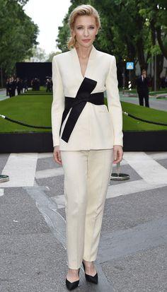 cate-blanchett-armani-white-kimono