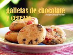 galletas de chocolate y cerezas