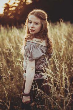 2017 | smyslná nevinnost #portrait #photography #photoshoot #inexpertphoto #mood #moodphoto #moodphotography #model #photomodel #czechgirl #portrétnífotografie #ginger #zrzka #readhead #pihy #freckle #beautiful #mystery #secret