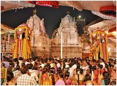 Heavy rush at temples