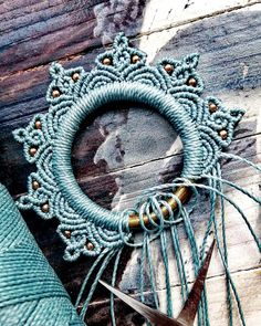 Diy Crafts Room Decor, Diy And Crafts, Macrame Art, Micro Macrame, Crochet Poncho Patterns, Sewing Art, Boho, Decoupage, Mandala
