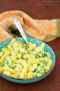I fusilli con zucchine cremose sono fantastici, veloci e gustosi e poi servono proprio pochissimi ingredienti #cucina #Letortedianna #ricette #ricetta #cucinaresanoegustoso #giallozafferano #ricettadelgiorno #recipe #blog #blogger #primopiatto #pasta #zucchine #primo Fusilli, Zucchini, Best Italian Recipes, Pasta Recipes, Pasta Salad, Food And Drink, Yummy Food, Dinner, Cooking