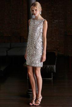 fashion 2015 The complete Naeem Khan Resort 2015 fashion show now on Vogue Runway. Naeem Khan, Dress Skirt, Lace Dress, Dress Up, High Neck Dress, Mode Chic, Mode Style, Estilo Fashion, Fashion Show