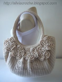 Marvelous Crochet A Shell Stitch Purse Bag Ideas. Wonderful Crochet A Shell Stitch Purse Bag Ideas. Cardigan Au Crochet, Crochet Shell Stitch, Crochet Handbags, Crochet Purses, Knit Or Crochet, Crochet Crafts, Crochet Stitches, Crochet Hooks, Crochet Patterns