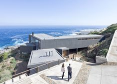 "Chilean seaside house designed to ""catch the views""."