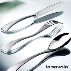 'New Wave' from our flatware range available in stainless steel and silverplated  #Italian #FiveStar #LuxuryWorldTraveler #tabletop #tablescape #FoodBlogger #MichelinStar #FineDining #tableware #Chef #restaurant #instalike #instafood #buffet #hotelier #FollowOfTheDay #gourmet #TheArtOfPlating #HotelsAndResorts #catering #FoodPics #foodservice#ChefsOfInstagram #dining #ChafingDish #italy #foodie #cooking #LuxuryLife #ChefsTalk by la.tavola.italy
