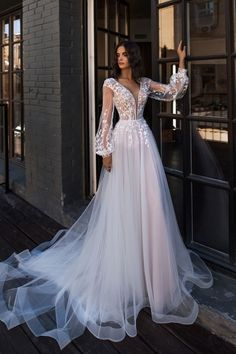 Wedding Dress Trends to Inspire Your - . - Bridal Gowns - Wedding Dress Trends to Inspire Your – … - Wedding Dress Trends, White Wedding Dresses, Wedding Wear, Bridal Dresses, Wedding Gowns, Tulle Wedding, Amazing Wedding Dress, Dresses Dresses, Beach Dresses